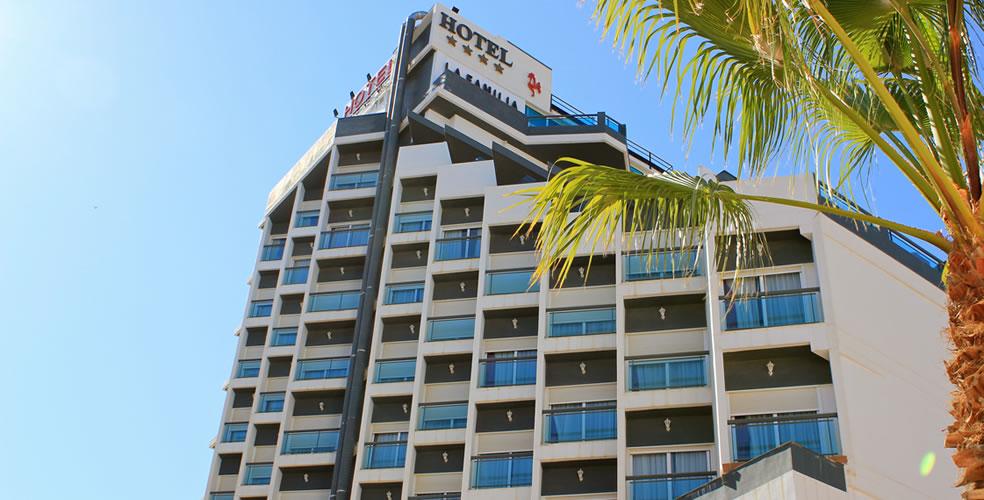 Hotel La Familia Gallo Rojo Exterior